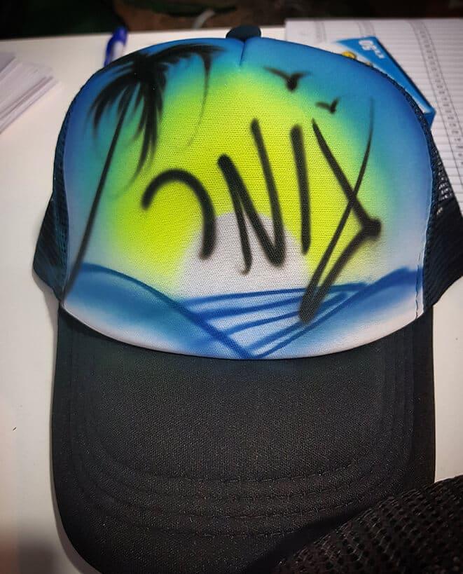 כובעי גרפיטי עם שמות