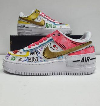 ציורים על נעליים